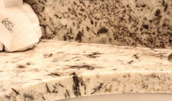 bathroom-granite-countertop7