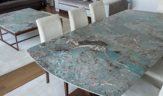 Столешница из кварца для обеденных столов