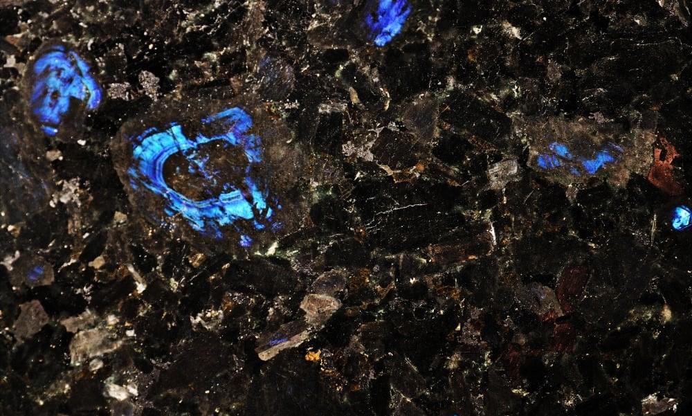 Лабрадорит GALACTIC BLUE